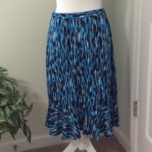Dresses & Skirts - Blue, blk, white ruffle skirt, stretch band
